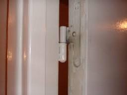 Enlever les gonds d 39 une porte - Composition d une serrure de porte ...